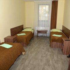 Гостиница Вояж Кровать в общем номере с двухъярусной кроватью
