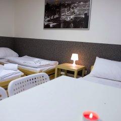 Хостел Seven Prague Номер с общей ванной комнатой с различными типами кроватей (общая ванная комната) фото 6