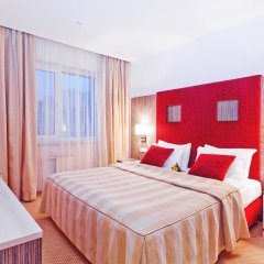 Гостиница East Gate 4* Номер Делюкс с различными типами кроватей