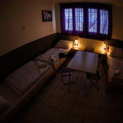 Хостел Seven Prague Номер с общей ванной комнатой с различными типами кроватей (общая ванная комната) фото 20