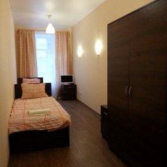 Гостиница Алмаз у Мостов 3* Номер Эконом разные типы кроватей (общая ванная комната) фото 8