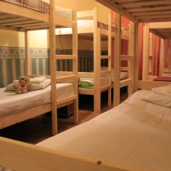 Хостел Любимый Кровати в общем номере с двухъярусными кроватями фото 4