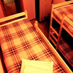 Хостел Любимый Кровати в общем номере с двухъярусными кроватями фото 30