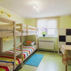 Хостел Олимп Кровать в мужском общем номере с двухъярусной кроватью