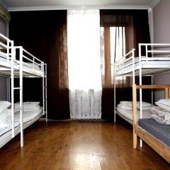 Атмосфера Хостел Кровать в мужском общем номере с двухъярусной кроватью фото 3