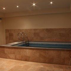 Отель Arthurs Aghveran Resort бассейн
