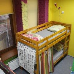 Red House Hostel Кровать в общем номере с двухъярусной кроватью фото 6