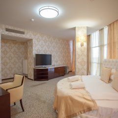 Гостиница Мартон Палас 4* Люкс с разными типами кроватей