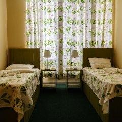 Гостиница Меблированные комнаты Круассан и Кофейня Кровать в общем номере фото 3
