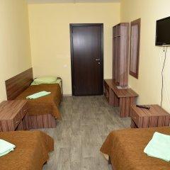 Отель Вояж 2* Кровать в общем номере фото 5