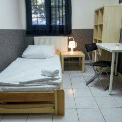 Хостел Seven Prague Номер с общей ванной комнатой с различными типами кроватей (общая ванная комната) фото 3