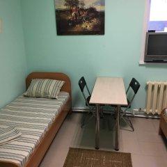 Гостиница Хостел Globus в Барнауле 1 отзыв об отеле, цены и фото номеров - забронировать гостиницу Хостел Globus онлайн Барнаул комната для гостей