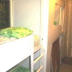 Хостел У Башни Кровать в общем номере с двухъярусной кроватью