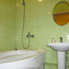 Гостиница на Щорса 105 (2 эт) в Екатеринбурге отзывы, цены и фото номеров - забронировать гостиницу на Щорса 105 (2 эт) онлайн Екатеринбург ванная