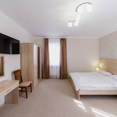 Гостиница Balmont 2* Улучшенный номер с двуспальной кроватью фото 9