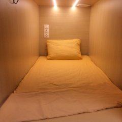 Хостел Boxtel Кровать в общем номере с двухъярусной кроватью