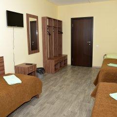 Гостиница Вояж Кровать в общем номере с двухъярусной кроватью фото 3