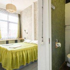 Хостел Fabrika Moscow Улучшенный номер с разными типами кроватей фото 10