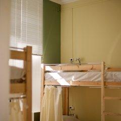 Хостел Старый Дворик Кровать в общем номере с двухъярусной кроватью