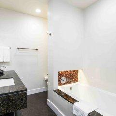 Отель Chatrium Riverside Bangkok Таиланд, Бангкок - 3 отзыва об отеле, цены и фото номеров - забронировать отель Chatrium Riverside Bangkok онлайн ванная