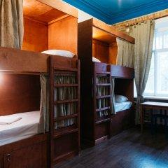 Гостиница Кон-Тики Кровать в женском общем номере с двухъярусной кроватью