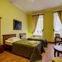 Клуб-Отель Питерская Стандартный номер с двуспальной кроватью фото 3