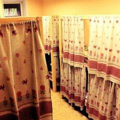 Хостел Любимый Кровати в общем номере с двухъярусными кроватями фото 8