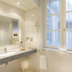 Odéon Hotel 3* Улучшенный номер с различными типами кроватей фото 3