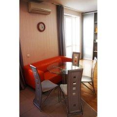 Гостиница Два этажа VIP Квартира в Химках отзывы, цены и фото номеров - забронировать гостиницу Два этажа VIP Квартира онлайн Химки балкон