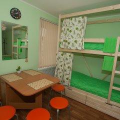 Хостел ВАМкНАМ Захарьевская Кровать в мужском общем номере с двухъярусной кроватью фото 3