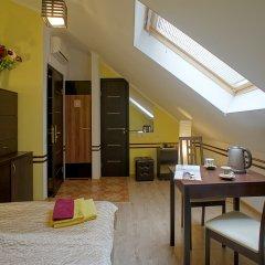 Гостиница JOY Номер Эконом разные типы кроватей (общая ванная комната) фото 4