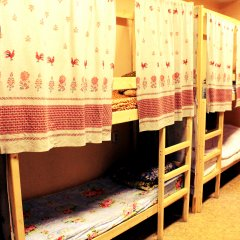 Хостел Любимый Кровати в общем номере с двухъярусными кроватями фото 15