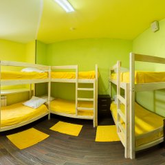 Хостел Абсолют Кровать в мужском общем номере с двухъярусной кроватью фото 3