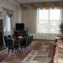 Гостиница Лалетин в Барнауле 1 отзыв об отеле, цены и фото номеров - забронировать гостиницу Лалетин онлайн Барнаул комната для гостей фото 2