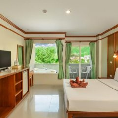 Отель Patong Pearl Resortel комната для гостей фото 8