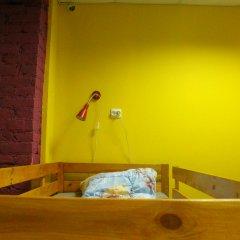 Red House Hostel Кровать в общем номере с двухъярусной кроватью фото 13