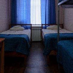 Мини-отель Роза Ветров Семейный номер Эконом с разными типами кроватей (общая ванная комната)