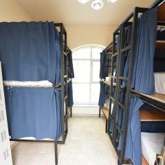 Отель Backpacker 16 Accommodation Кровать в общем номере с двухъярусной кроватью фото 6