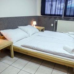 Хостел Seven Prague Номер с общей ванной комнатой с различными типами кроватей (общая ванная комната) фото 12