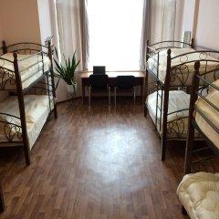 Хостел Сердце Столицы Кровать в женском общем номере с двухъярусной кроватью
