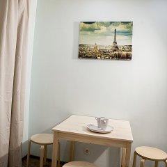 Апартаменты на Ладожской 13 в номере фото 2