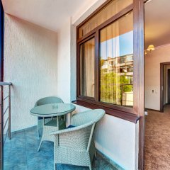 Гостиница Oscar в Геленджике 7 отзывов об отеле, цены и фото номеров - забронировать гостиницу Oscar онлайн Геленджик балкон