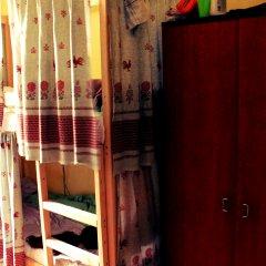 Хостел Любимый Кровати в общем номере с двухъярусными кроватями фото 21