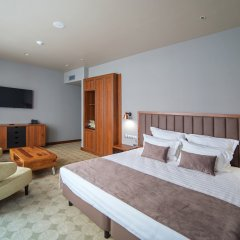 V Hotel 4* Номер Делюкс с различными типами кроватей