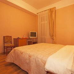 Гостиница Атлантида в Анапе 8 отзывов об отеле, цены и фото номеров - забронировать гостиницу Атлантида онлайн Анапа комната для гостей фото 5