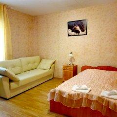 Гостиница Аксинья Стандартный семейный номер с двуспальной кроватью