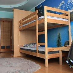 Атмосфера Хостел Кровать в женском общем номере с двухъярусной кроватью