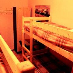 Хостел Любимый Кровати в общем номере с двухъярусными кроватями фото 31