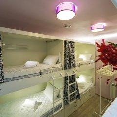 Гостиница HQ Hostelberry Кровать в женском общем номере двухъярусные кровати фото 2