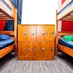 Хостел Наполеон Кровать в общем номере с двухъярусной кроватью